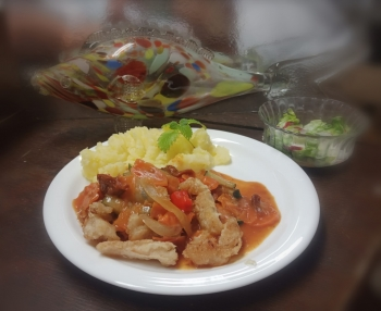 Ryba duszona w warzywach