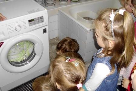 Biedronki poznają sprzęty domowe